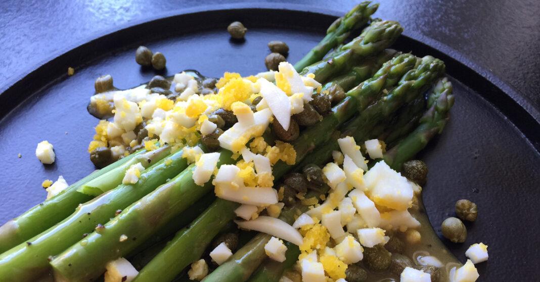 Grønne asparges vinaigrette med æg