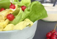Salat med sukkerfri mormordressing – sommersalater