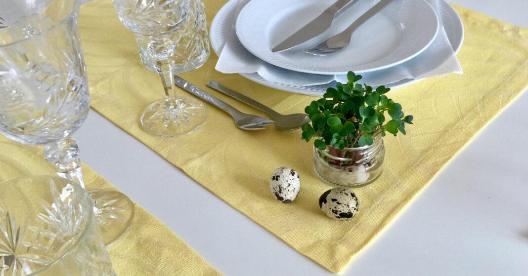 Påskebord og mikrogrønt som pynt