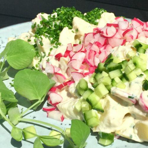 Gammeldags kartoffelsalat med radiser – sommersalater