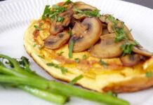 Omelet med champignon